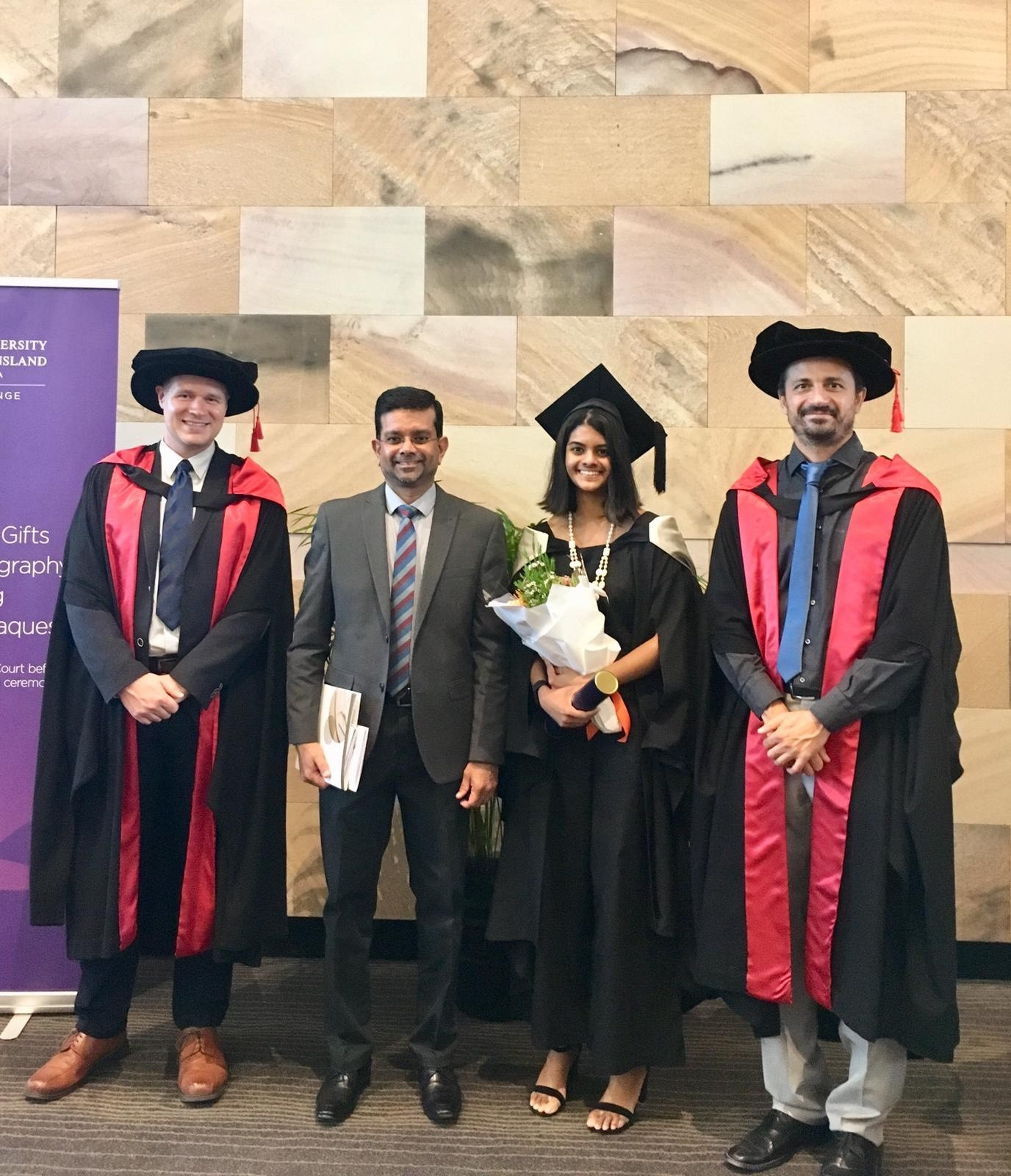 Medallist Ransi Weerasooriya with her father and her honours supervisors