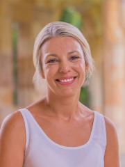 Dr Zoe Cahill